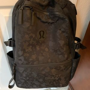 lululemon athletica Bags - Lululemon camo crew backpack